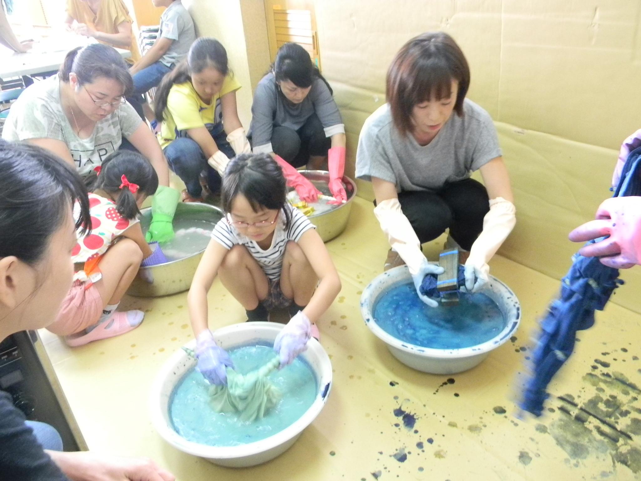 プロから学ぶ 藍染絞りのTシャツ作り